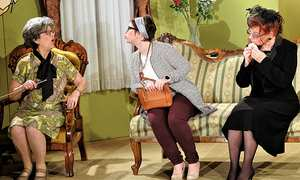 Arsen und Spitzenhäubchen Theatergruppe des Gesangvereines Ollersdorf